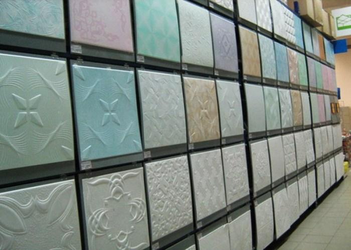 Образцы полистирольной плитки для потолка на кухне