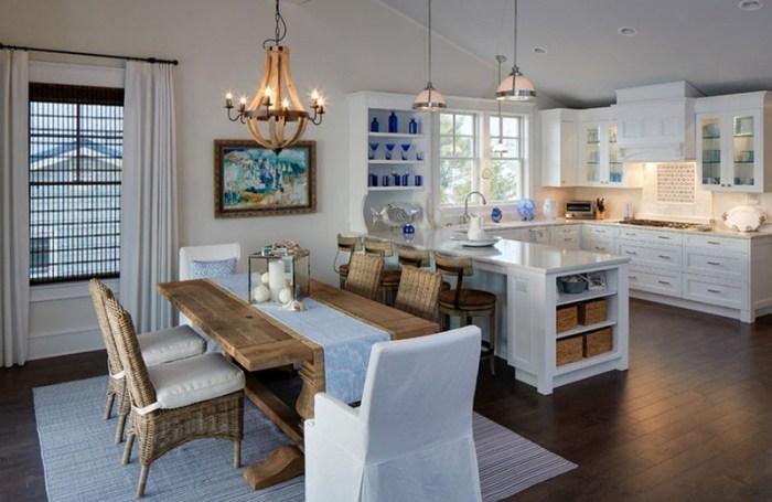Кухня-гостиная с деревянной и плетеной мебелью