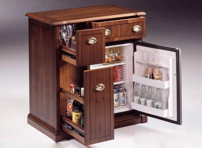 Тумба-бар с встроенным маленьким холодильником