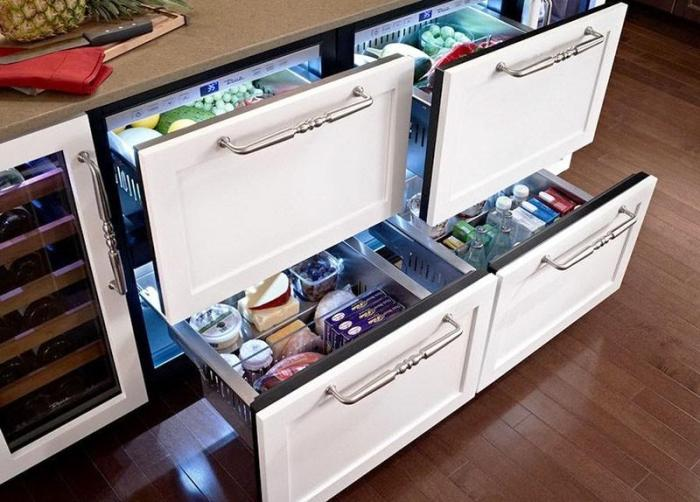 Четыре выдвижных ящика-холодильника