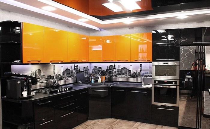 Глянец и урбанизм на кухне в стиле хайтек