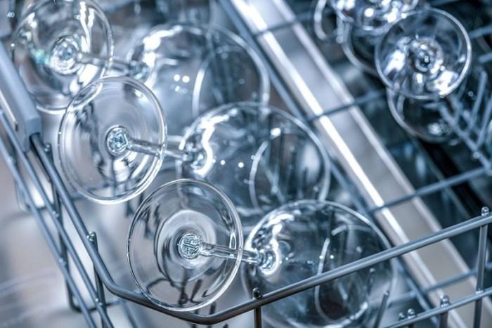 Как пользоваться посудомойкой для стеклянной посуды