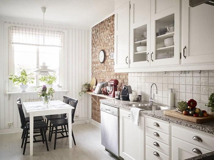 Стена в стиле лофт на классической кухне