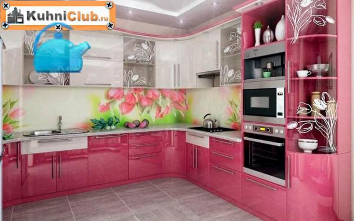 Серый-пол-розовой-кухни