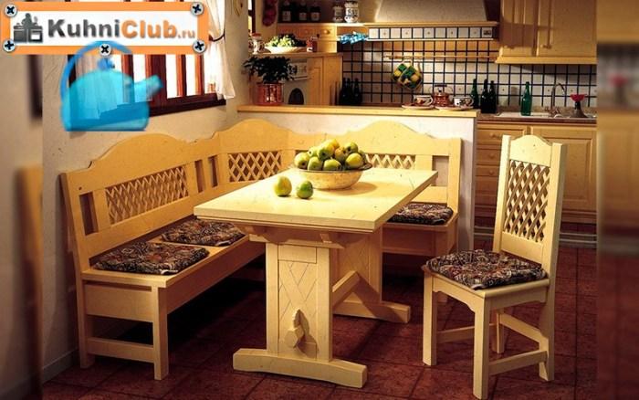 Деревянная-скамья-в-кухне-ретро-стиля