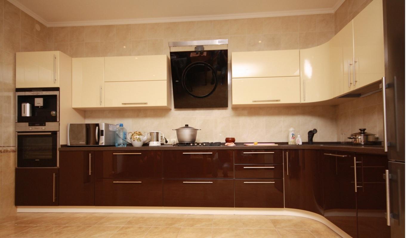 передней кухня низ шоколад верх ваниль фото модным тенденциям