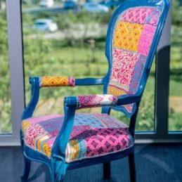 Retro fotelja