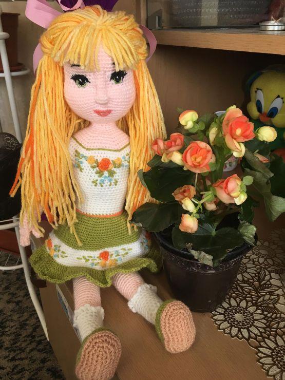 Ръчно плетена кукла