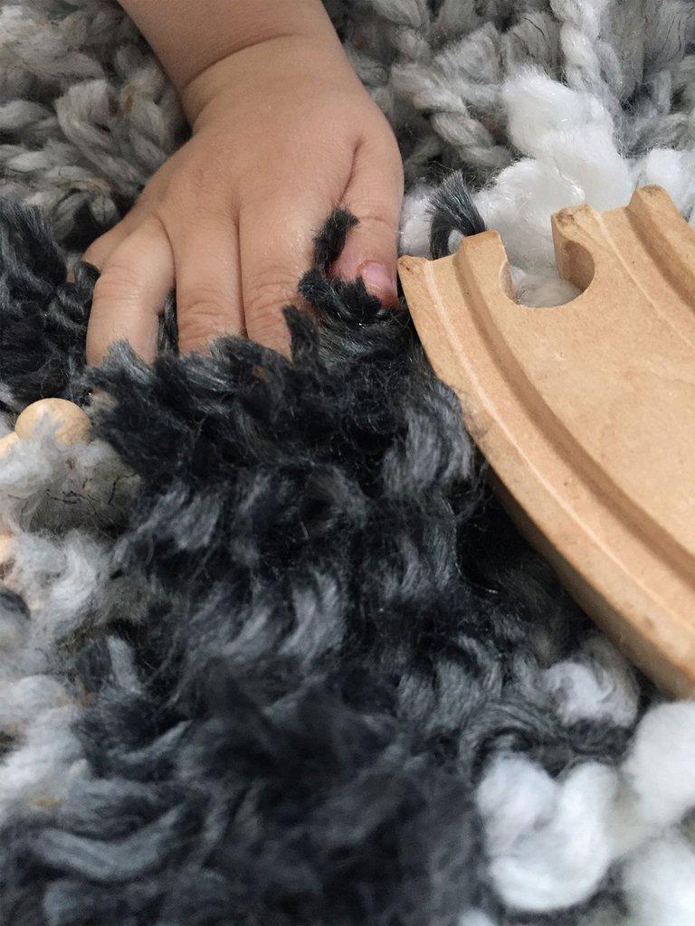 Čupavi vuneni tepih