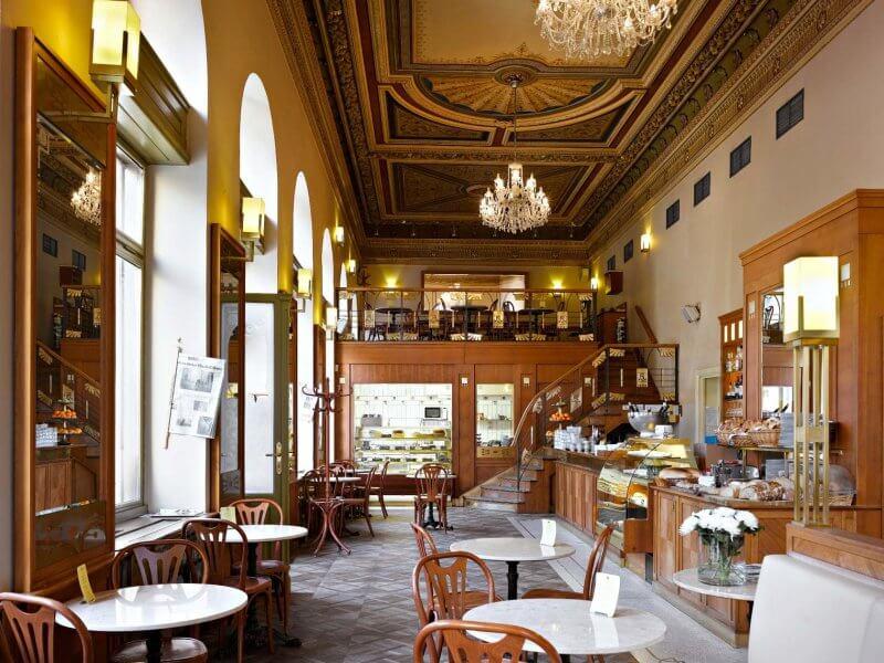 Прагадағы кафе