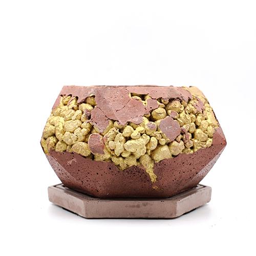 Concrete Planter pot kintsugi pink with gold structure, octogonal shape, handmade in Berlin.