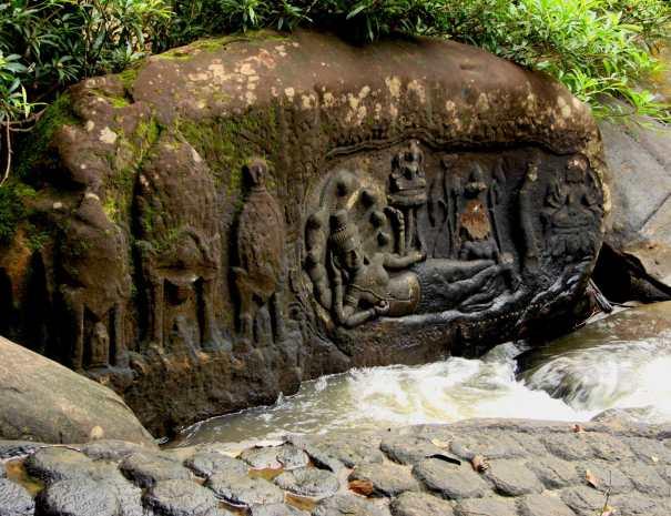 Shiva Carvings - Kbal Spean 1000 Lingas - Kulen National Park