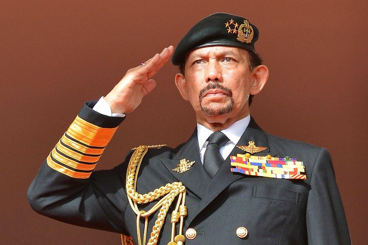 Sultan Brunei pulangkan ijazah Oxford