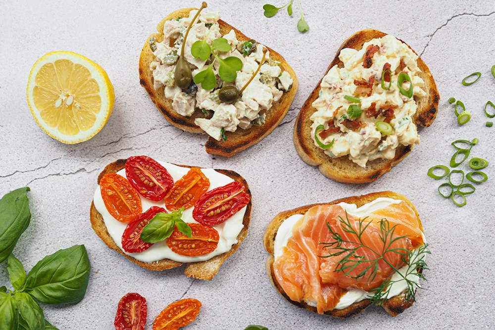 Ranskalainen voileipä eli tartine on herkullinen pikkusuolainen tarjottava.