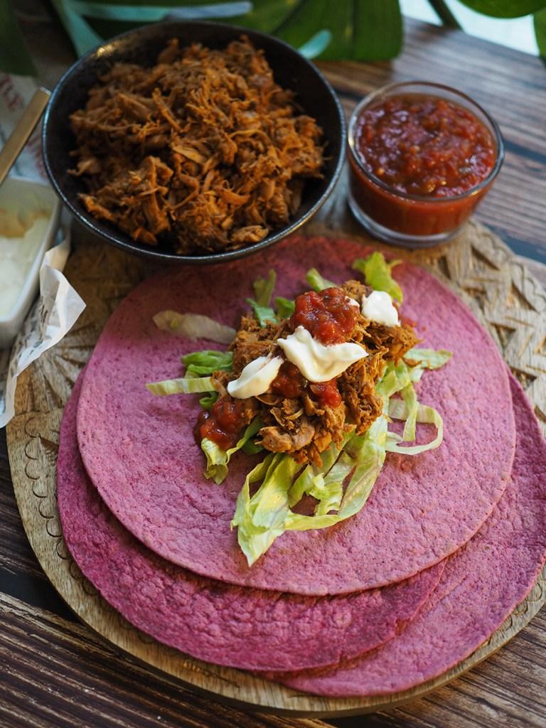 Vegaaniset jakkihedelmä tortillat syntyvät helposti