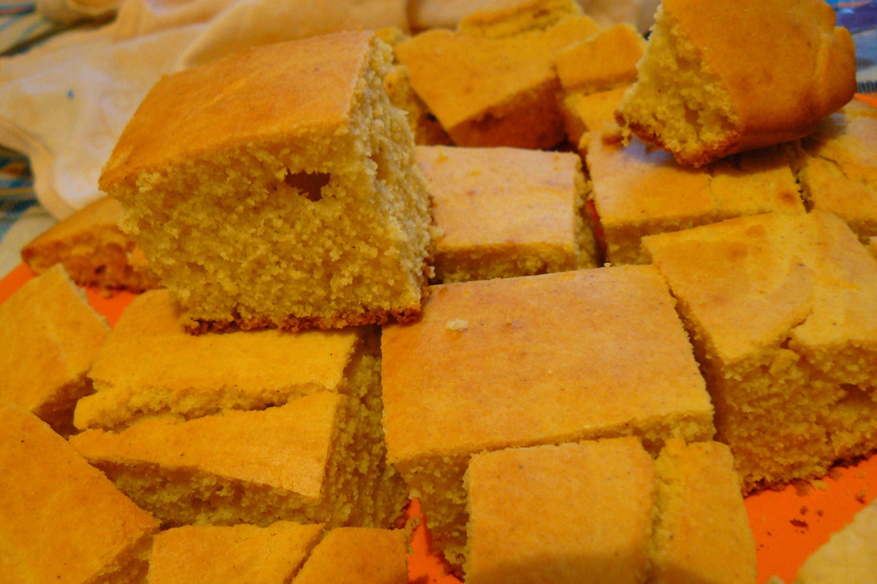 Традиционен царевичен хляб