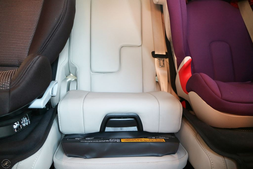 Kullakeks-Volvo-XC90-Testbericht-Familienautotest-Integrierter Kindersitz