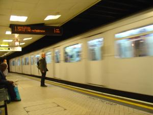 Warten auf die U-Bahn | morguefile