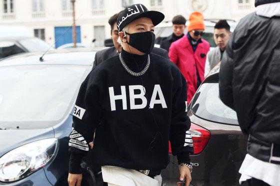 taeyang wearing hood by air