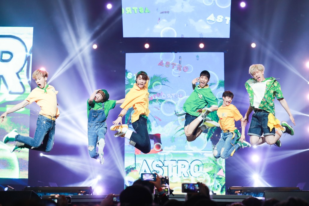 astro kcon 2016 los angeles la 16 m countdown