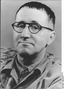 Bundesarchiv_Bild_183-W0409-300_Bertolt_Brecht