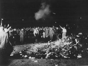 Die Bücherverbrennung im Mai 1933 auf dem Berliner Opernplatz.