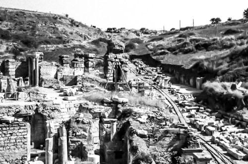 Efes Kuretler Caddesi Kazı Çalışmaları