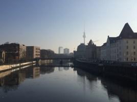 Wie ein Gemälde: Schönstes Wetter am Montagmorgen in Berlin!