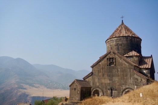 Das Kloster Akhtala mit seiner gigantischen Freskenkunst