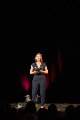 Zum ersten Mal als Moderatorin auf der Bühne des Residenztheaters bei der Verleihung des Kurt-Meisel-Preises im Juli 2018, © Judith Buss
