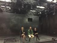 Nachgespräch mit der Dramaturgin Friederike Engel, dem Leiter des Jungen Schauspielhauses Klaus Schumacher und der Regisseurin Anne Bader (r.)