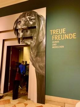 """Bloggerwalk zur Ausstellung """"Treue Freunde"""" am 07.02.2020 im Bayerischen Nationalmuseum"""