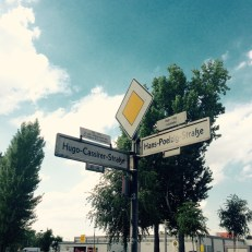 Hugo-Cassirer-Straße / Hans-Poelzig-Straße