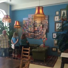 Kunst und Kaffee im Aufenthaltsraum
