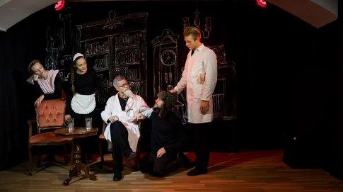 Alex Zakharov mit Kanstantsin Tsyrkun, Vladislav Kotlyarov und Veronika Brailko und Polina Ntomporovits