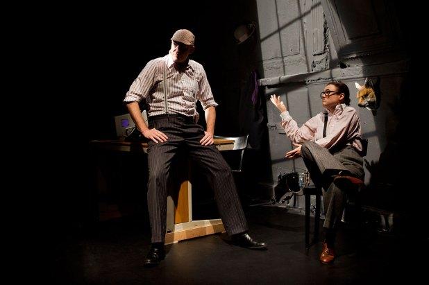 Larry King (Julia Schranz) und Ed Pressmann (Alexander Braunshör)