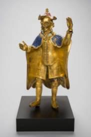 Figur eines Europäers, Qing-Dynastie, 17. Jh.. Vergoldete Bronze mit Gruben- und Zellen-Email © MAK/Nathan Murrell