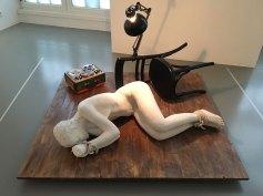 """Dimitris Alithinos """"A Happening"""" aus der Sammlung EMST im Fridericianum"""