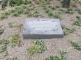 Gedenkstein im Leon-Zelman-Park