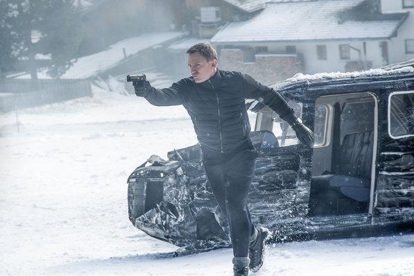 """Dreharbeiten zu James Bond """"Spectre"""" in Tirol ©-2015-Metro-Goldwyn-Mayer-Studios-Inc.,-Danjaq,-LLC-and-Columbia-Pictures-Industries,-Inc._spectre20in20tirol_012020201520sony20pictures20releasing20gmbh"""