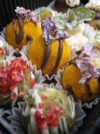 """Nicht nur schmackhaft, sondern auch noch schön anzusehen - süße Köstlichkeiten bei """"Blühendes Konfekt"""""""
