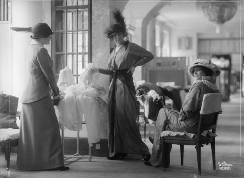 ATELIER D'ORA | Im Modehaus Zwieback | 1913 © ÖNB-Bildarchiv/picturedesk.com | Foto: ÖNB-Bildarchiv/picturedesk.com