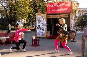 Performance Die Brutpfleger*innen (c) Bettina Frenzel