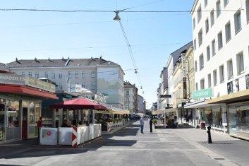 Viktor-Adler-markt c) shutterstock