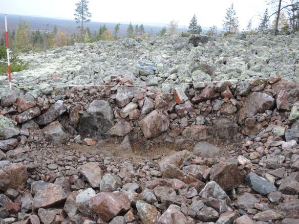 Profil av en av de undersökta groparna i klapper på Öberget © Norrbottens museum