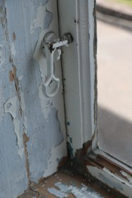 Slitna fönster. Foto: Sophie Nyblom ©Norrbottens museum.