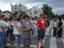 Profesori u Budimpesti ispred Ambasade RS