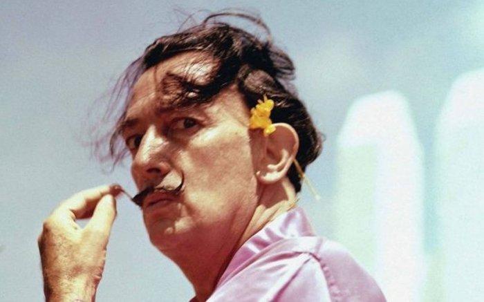 Усы, как у Хосепа Маргарита.