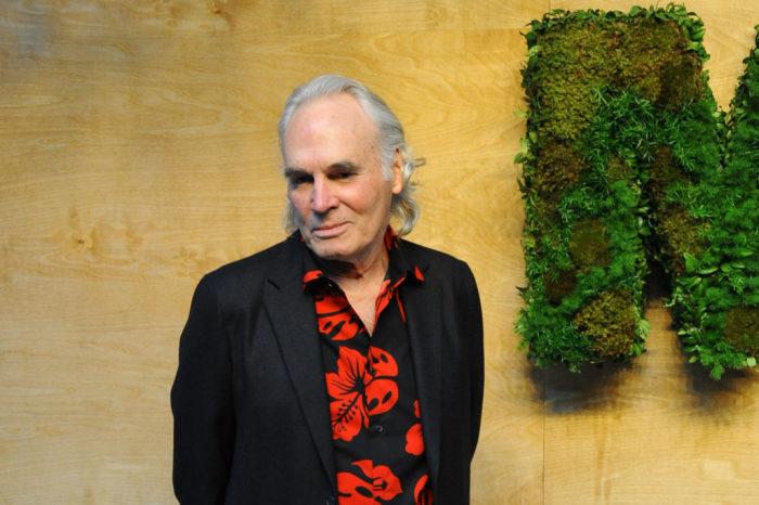 Брайс Марден - современный художник, чьи работы продаются на аукционах за баснословные деньги. | Фото: news.artnet.com.
