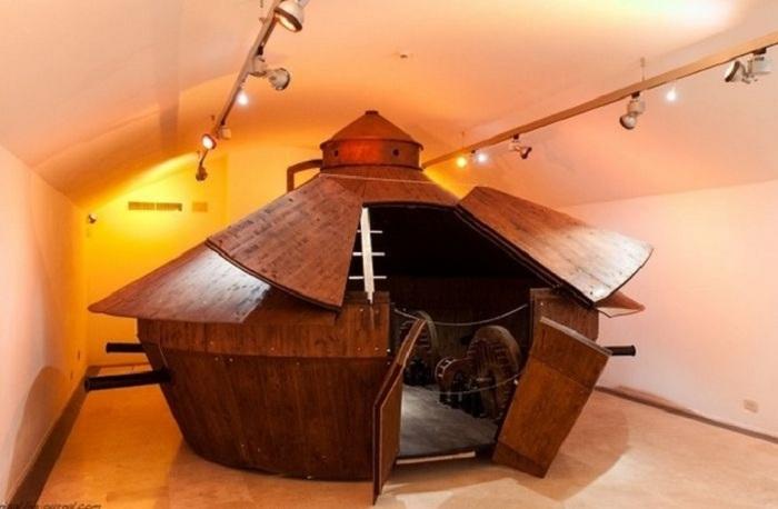 Первый танк, созданный по чертежам Леонардо да Винчи.